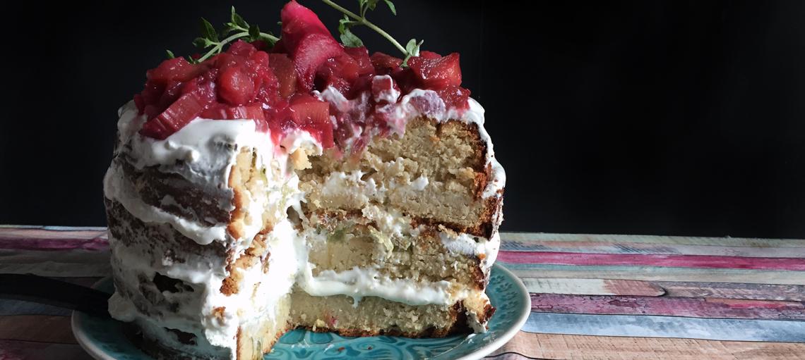Rhabarber-Kokos Naked Cake, low carb