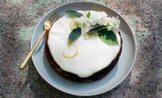 Zitronen-Cheesecake mit Joghurt-Creme